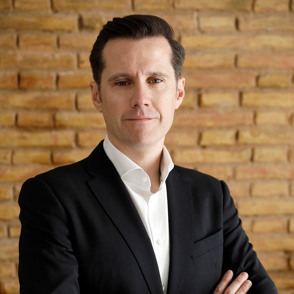 Dr. Gustavo Fabregat Cid