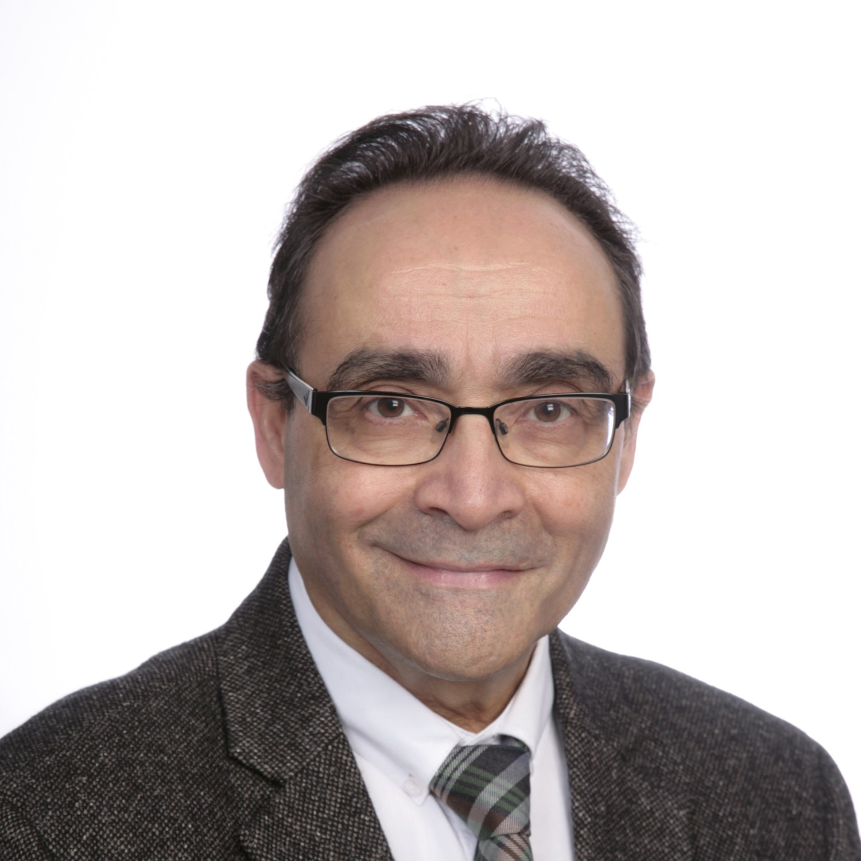 Dr. Javier del Pino
