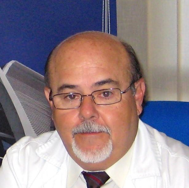 Dr. Javier Calvo Catalá